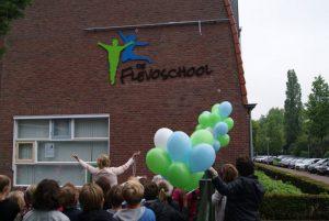 deflevoschool-onthulling logo-2016-10